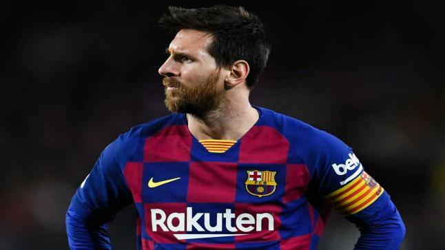 ميسي يتدخل ويمنع برشلونة من التعاقد مع لاعبين في وسط الميدان