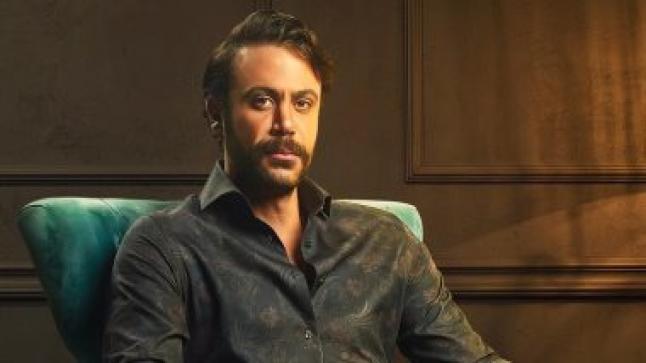 """الخميس المقبل محمد إمام يعود من بيروت لإستئناف تصوير مسلسل """"هوجان"""""""