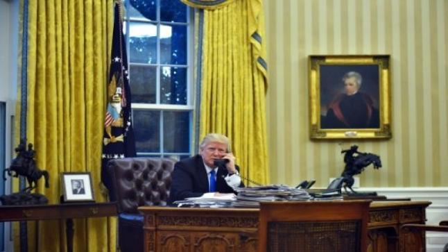 الرئاسة الفلسطينية تعلن عن توجيه زيارة لمحمود عباس لزيارة البيت الأبيض ولقاء ترامب