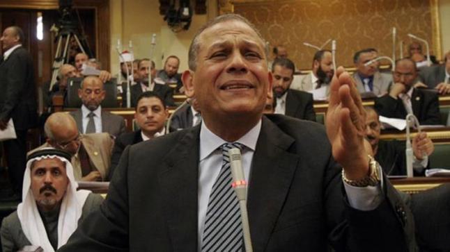 انتقاد الحكومة المصرية يطيح بالنائب المصري محمد أنور السادات خارج مجلس النواب