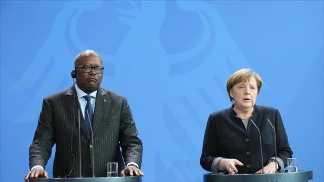 المستشارة الألمانية تنادي بضرورة دعم حكومة الوفاق الليبية برئاسة فايز السراج