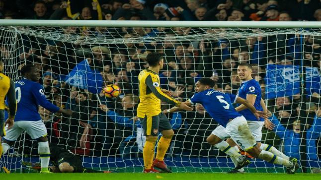 اوزيل يستفز مشجعين المدفجية بسبب الخسارة التي تلقاها فريقه ضد إيفرتون