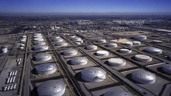 وفقاً لتقرير معهد البترول الأمريكي تراجع حاد في مخزون النفط الخام الأمريكي